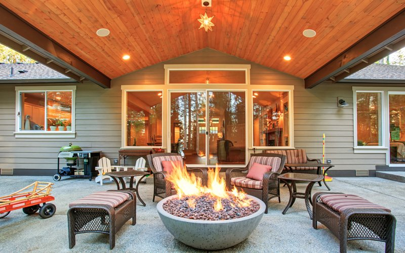 Enjoying Your Outdoor Living Areas in the Fall